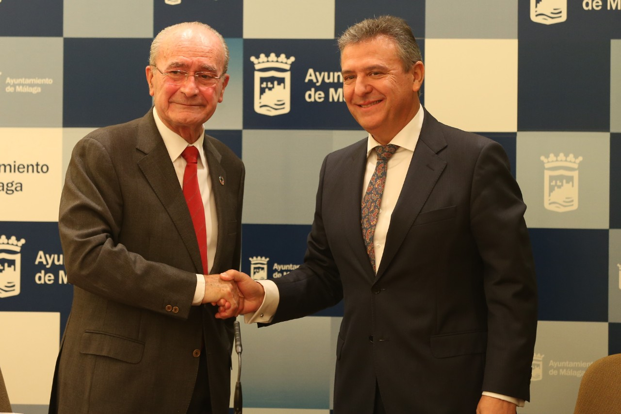 From left to right, the mayor of Malaga, Francisco de la Torre, and the general director of Endesa in Andalucia, Francisco Arteaga