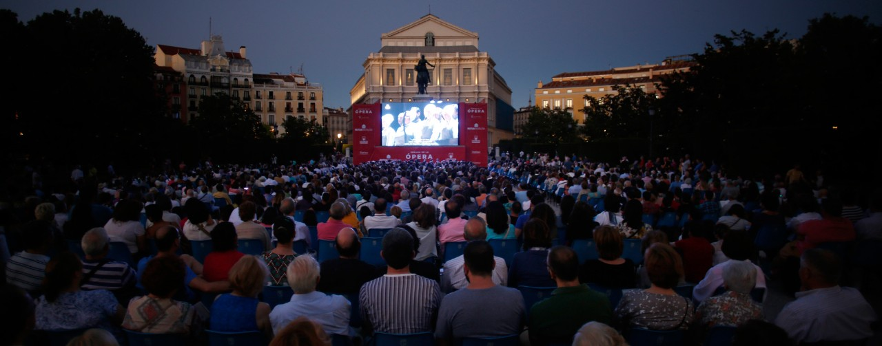 Giant-screen projection of an opera from Madrid's Teatro Real.
