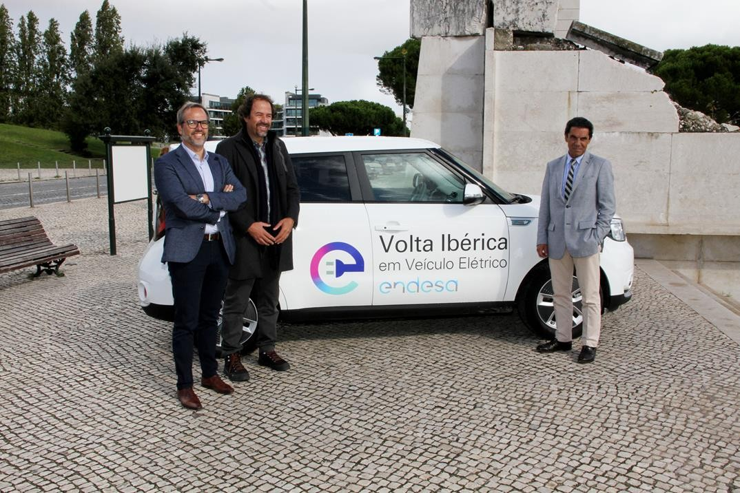 Pedro Gonçalves Marketing and Sales Director at KIA Portugal. Pedro Machado, Advisor to the Councillor for Mobility and Nuno Ribeiro, Director General of Endesa in Portugal.